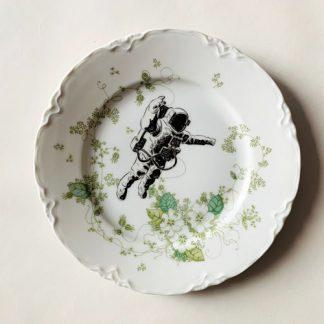 Wandteller-Astronaut-01
